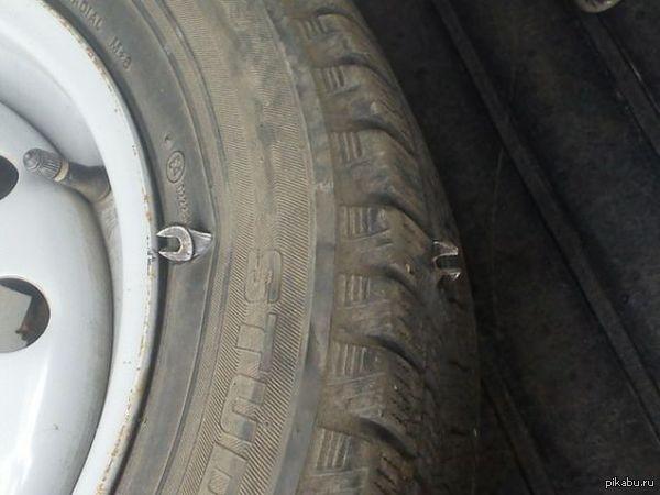 Вот это проколол колесо   Колесо, прокол, photo