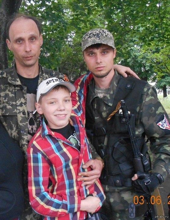 """Террорист """"Бабай"""" с сигарой """"хозяйничает"""" в донецой автошколе - ему приглянулся учебный """"VolksWagen"""" - Цензор.НЕТ 8726"""