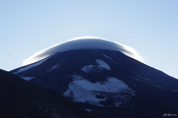 на просторах Камчатки  Авачинский вулкан раз уж пошла тема о красотах России  Россия, вулканы, Камчатка, вулкан