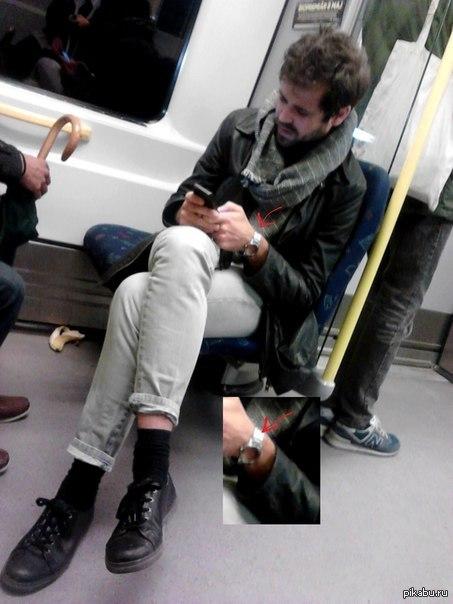 Подсматр в метро фото 136-462