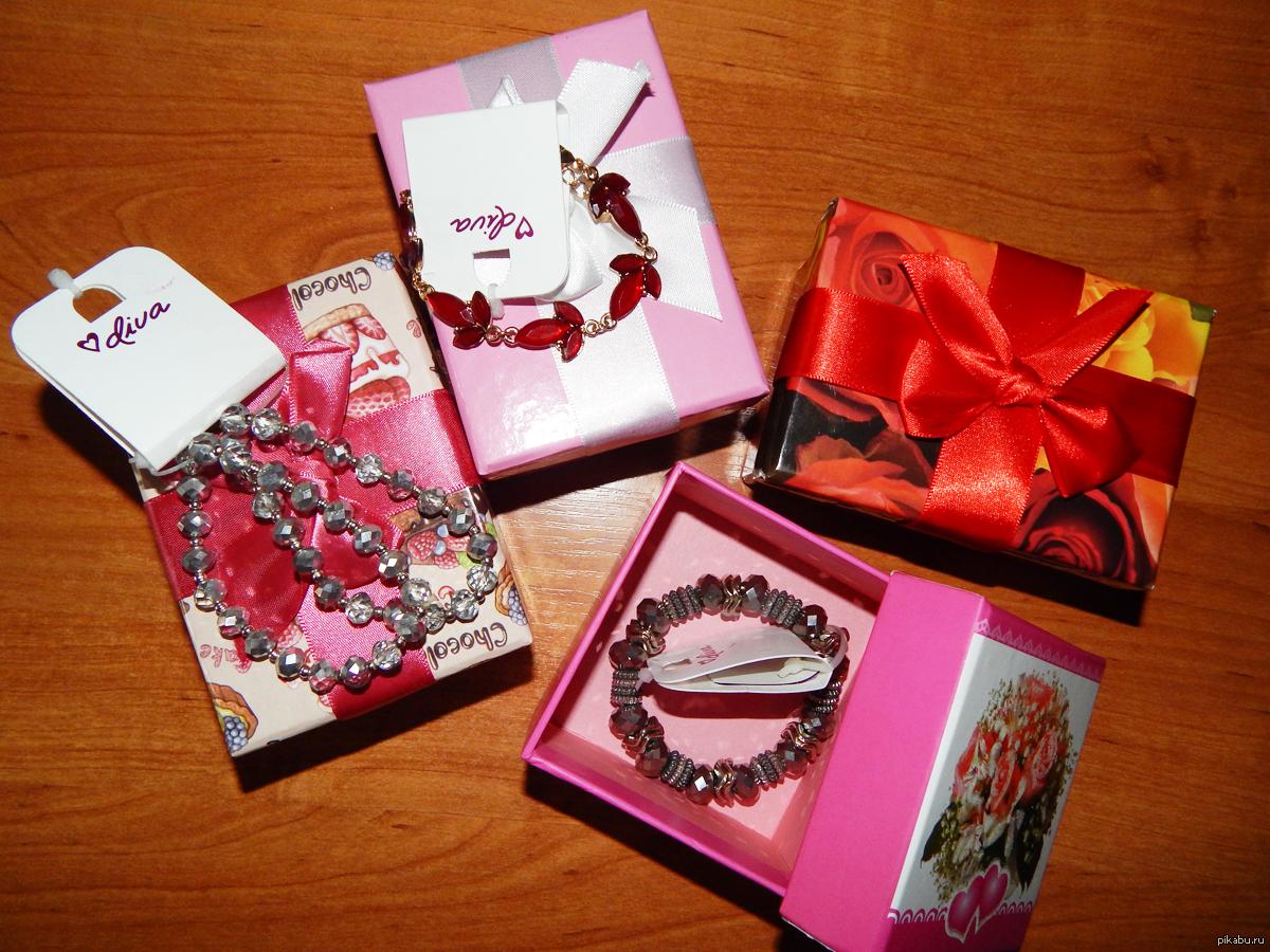 Подарки девчонкам в классе