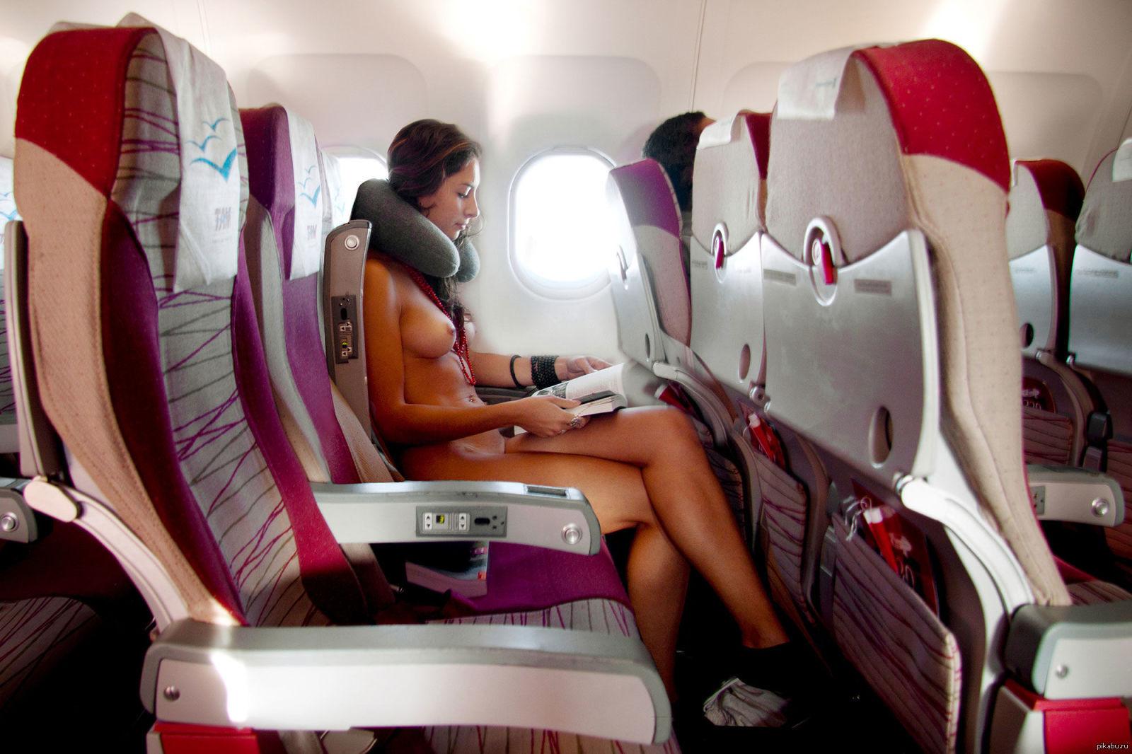 Стюардесса интим в самолёте 2 фотография