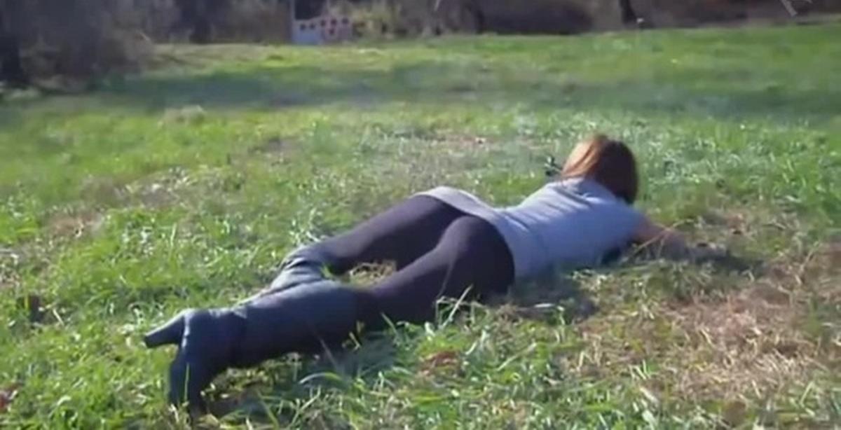 Смотреть порно девочек первый в попу 20 фотография