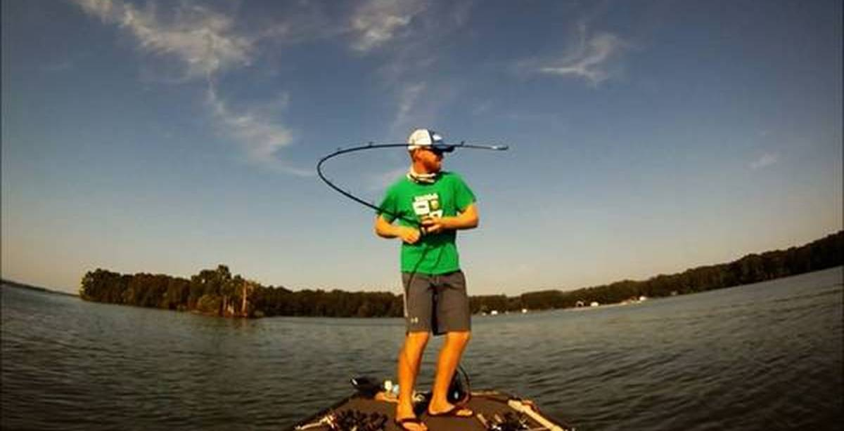 рыбалка на лодке на видео